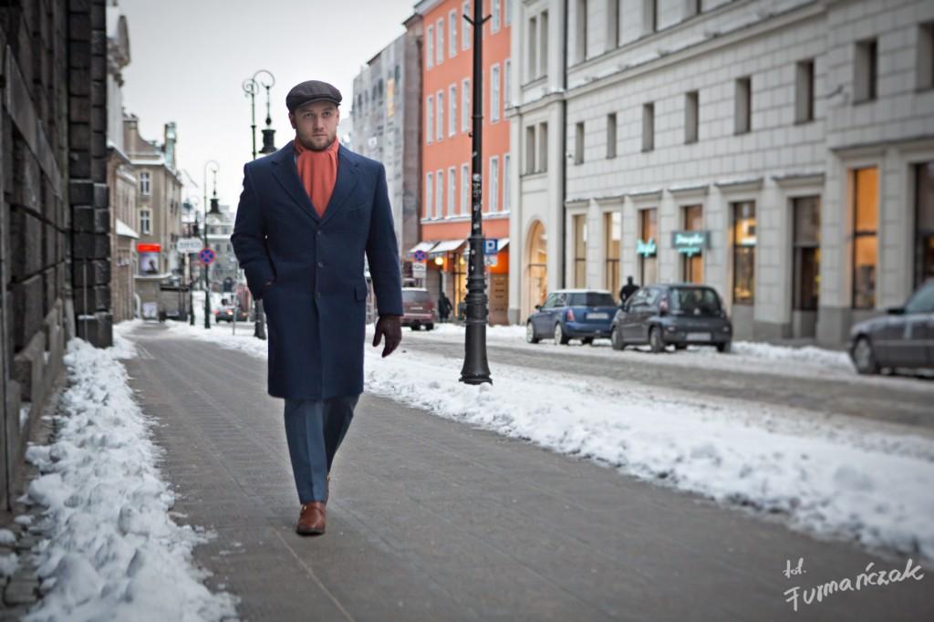 Tomasz Miler w granatowej dyplomatce