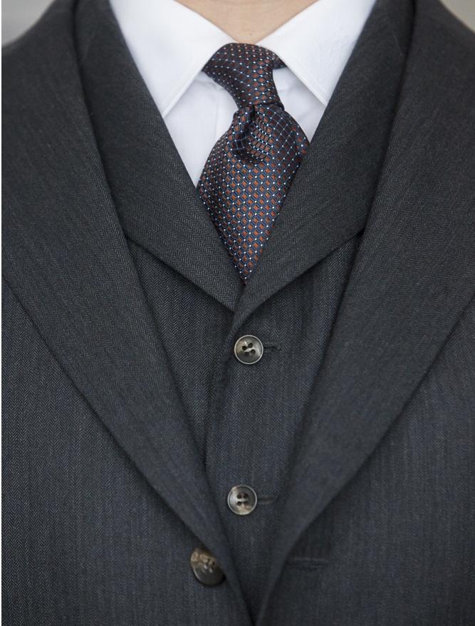 zbliżenie na krawat