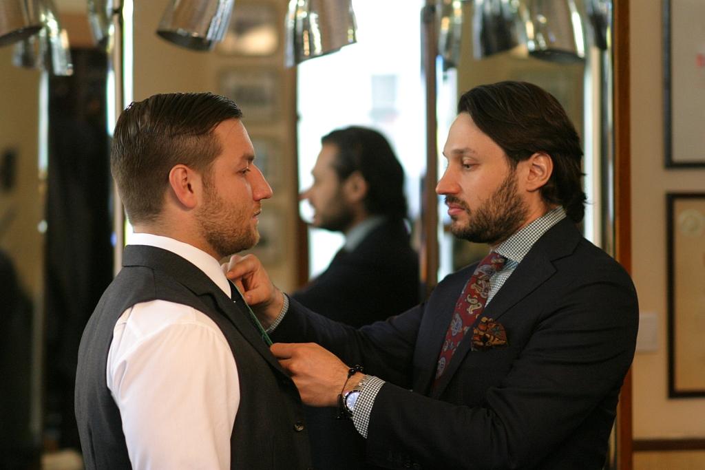 Tomasz Miler - dopasowanie krawata