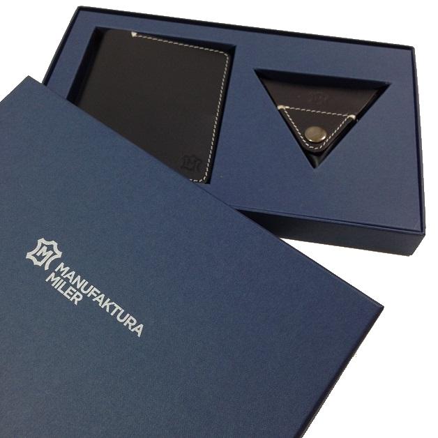 Portfel i bilonówka zapakowane w pudełko