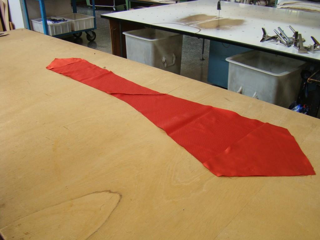 krawat seven fold przed złożeniem