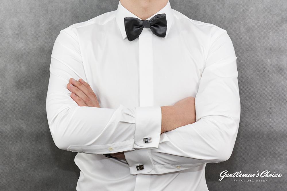 biała formalna koszula z muchą i spinkami do mankietów