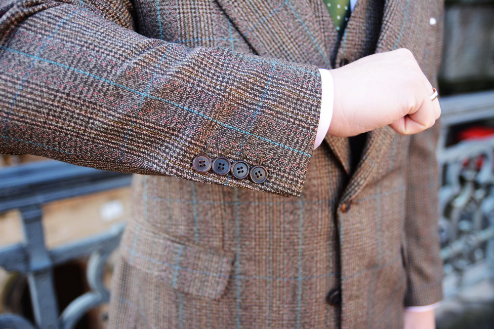 Horn buttons on a bespoke suit by Tom Miler