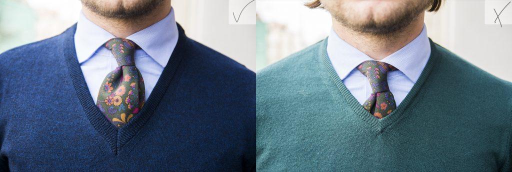 porównanie dekoltów swetra: z lewej pogłębiony serek (poprawny), z prawej płytki serek (zły)