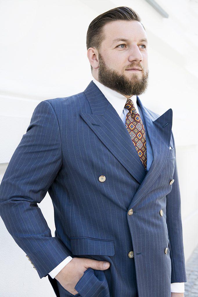 niebieski-garnitur-dwurzedowy-na-miare (11)