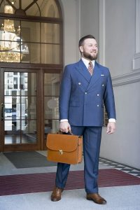 niebieski-garnitur-dwurzedowy-na-miare (3)