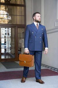 niebieski-garnitur-dwurzedowy-na-miare (4)
