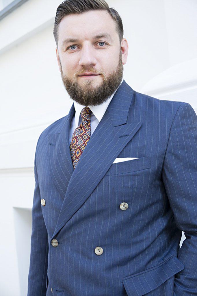 niebieski-garnitur-dwurzedowy-na-miare (5)