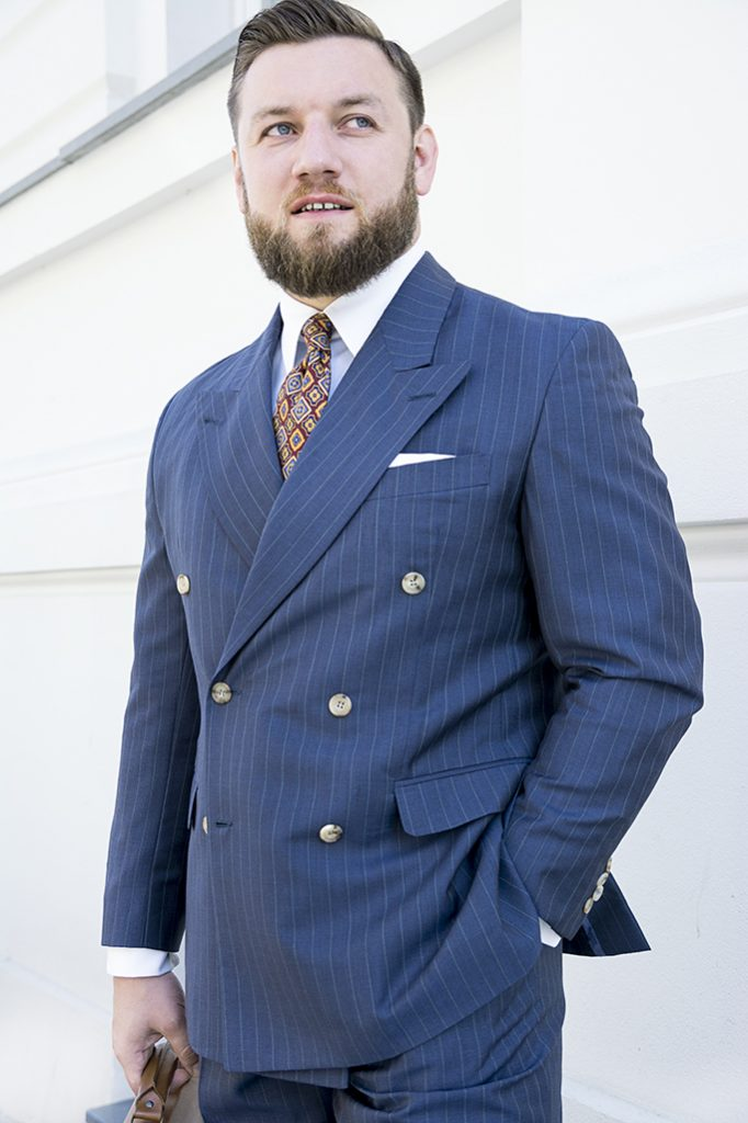 niebieski-garnitur-dwurzedowy-na-miare (9)