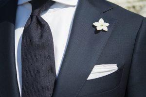 Granatowy garnitur MILER w stylizacji formalnej