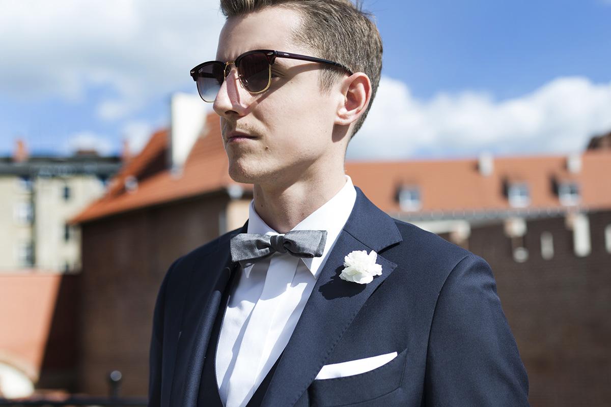 438e2cb493f86 Granatowy garnitur MILER w stylizacji ślubnej · Granatowy garnitur MILER w  stylizacji ślubnej ...