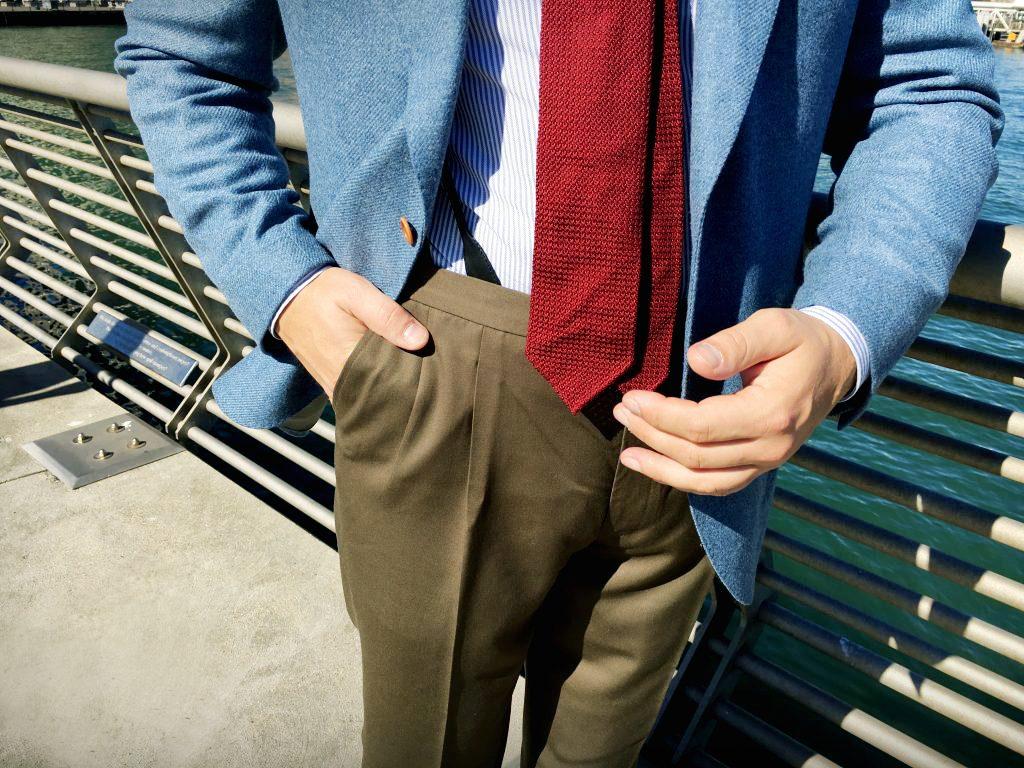 brazowe-spodnie-przod
