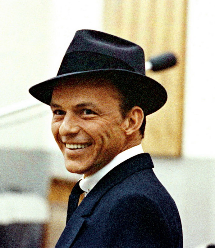 Frank-Sinatra-With-Collar-Pin